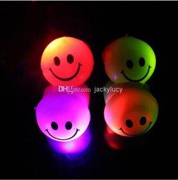 UK led ring smiley - Popular Prom LED Flash Smiley Face Finger Ring Hand Laser Light Kids Toys Elastic Rubber Blinking Ring For Party Bar Christmas Gift
