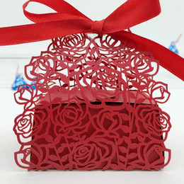 Wholesale Box Gift Paper Chocolates - 100pcs Laser Cut Hollow Rose Flower Candy Box Chocolates Boxes With Ribbon For Wedding Party Baby Shower Favor Gift