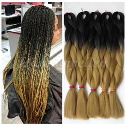 "Hellbraunes flechthaar online-Ombre Kanekalon Braiding Hair 24 ""100g Synthetic Braiding Hair zweifarbig schwarz bis hellbraun Marley Kanekalon Jumbo Braid für Box Braid"