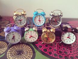 Wholesale Cheap Mechanical Clocks - Cheap vintage clockwork mechanical alarm clock Mini models retro nostalgia alarm clock desk clock horseshoe sound