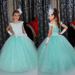 хорошие шарики Скидка 2018 Принцесса бальное платье девушки театрализованное платья Nice Mint светло-голубой с плеча хрустальные бусины длинные девушки цветка платье для свадьбы
