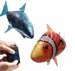 Wholesale balloon clown - 24pcs lot Wholesale IR RC Air Swimmer Shark Clownfish Flying Fish Assembly Clown Fish Remote Control Balloon Inflatable Toys for Kids