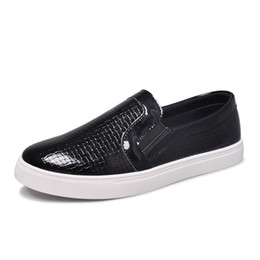 Wholesale Patent Leather Upper - Wholesale-FSF Mens Skateboarding Shoes with 3 Colors Patent Leather Upper Comfortable Outdoor Walking Shoes for Men EUR Size 39-44 710