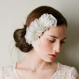 Wholesale Vintage Hair Combs - White Crystal Bridal Flower Comb Petals Blossom Wedding Brides Accessories Hair Accessories Vintage Bridal Combs Rhinestone Hair Adornments