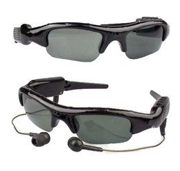 ca02a7eabc Diaital inalámbrico MP3 mini cámara videocámara Gafas de sol para el motor  con Polaroid Lente para conducir montar y pescar espía Cámara