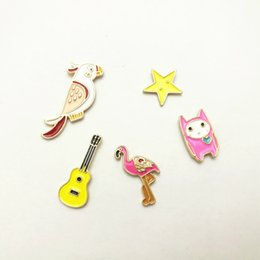 Wholesale Novelty Guitars - Drip Oil Badge Pin Alloy Cartoon Parrot Flamingo Five Pointed Star Guitar Multi Pattern Novelty Brooch Personalized Decor 1 5yxb F R