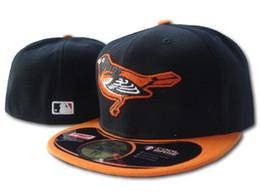 Cappelli montati arancione online-2019 New Orioles Black Orange Color Fitted On Field Hats Cappelli sportivi ricamati Top Quality Fans Full Closed Size Baseball Bones