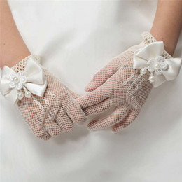 Wholesale Girls Wedding Gloves - 2016 New Girls Gloves Cream and White Lace Pearl Fishnet Communion Flower Girl Party and Wedding Gloves
