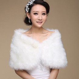 Wholesale White Wedding Coats - 2017 Ivory Winter Wedding Coat Bridal Faux Fur Wraps Warm shawls Outerwear Black Burgundy White Korean Style Women Jacket Prom Evening Party