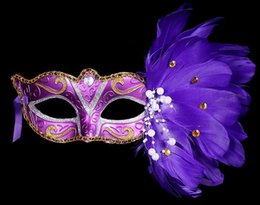 Wholesale Colored Face Masks - 2016 New Christmas Halloween masquerade feather masks feather colored birthday Party masks