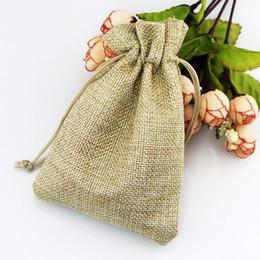 Горячо ! Светло-коричневый льняная ткань Drawstring сумки конфеты ювелирные изделия подарок мешки мешковины подарок джутовые сумки 7x9cm 10x14cm 13x18cm 15x20cm от Поставщики джутовая ткань
