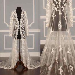inverno abiti da damigella d'onore Sconti 2017 personalizzato reale giacche da sposa vendita del merletto illusione sexy avorio applique in tulle manica lunga lusso 3 metri giacca da sposa