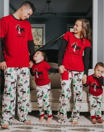Wholesale S Pajamas - Family christmas pajamas 2017 Christmas elk Print family matching outfits Fashion Patchwork Long sleeve Family Look 1 Sets