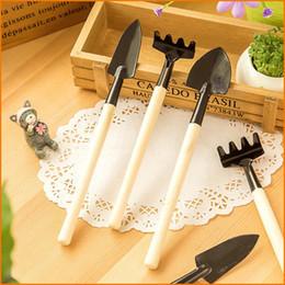 Mini utensili da giardinaggio online-3Pcs / Set Mini Garden Hand Tool Kit Impianto Giardinaggio Pala Spade Rake Cazzuola Manico in legno Metal Head Gardener