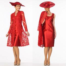 2019 abiti da sposa reale madre reale Guaina rossa madre della sposa abiti con lunga giacca di pizzo scoop scollatura madre indossare abito da sera lunghezza al ginocchio