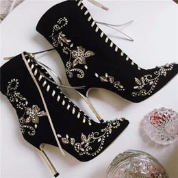 Wholesale Europe Style Elegant - 2016 elegant europe style embroidery rhinestone flowers ladies boots metal heel high heel pointed head woman short boots