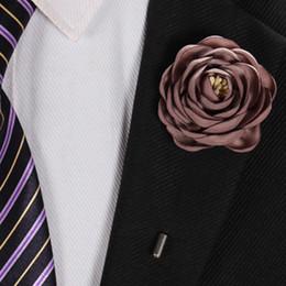 Piedini per le donne online-17 colori fatti a mano fiore di rosa corpetto fiore all'occhiello bastone spilla pin donna uomo anniversario di matrimonio partito di natale vestito ornamento risvolto spilla pins