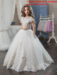 Wholesale Cute Beautiful Images - Applique 3D Flowers Short Sleeves Floor Length 2018 Ball Gown Beautiful Flower Girl Dresses Cute Kids Formal Wear