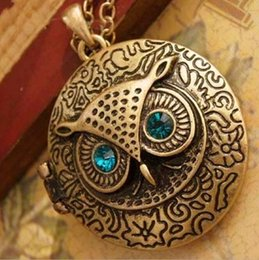 Wholesale Owl Sweater Girls - Vintage Crystal Owl Pendant Necklace Charms Blue Eye Owl Round Box Opening Locket Bronze Pendant Sweater Chain Necklace for women Girl