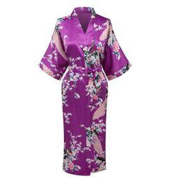 Venta al por mayor a estrenar las mujeres chinas púrpuras Satén Rayón camisón Imprimir Kimono baño vestido de dama de honor de la boda S M L XL XXL XXXL A-104 desde fabricantes