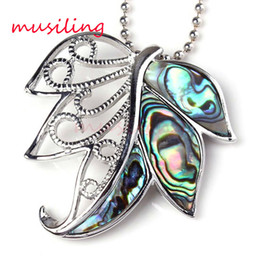 Wholesale Maple Leaf Charms Wholesale - Natural Abalone Shell Splicing Maple Leaf Pendant Necklace Chain Pendulum Women Men Charms Accessories Silver Plated European Trendy Jewelry