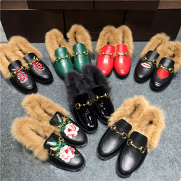 embroidery flat shoes Promotion 2016 Luxe Ladies Rabbit Fur Women Nid Forme Cosy Flats Chaussures Noir Cuir Branded Cover Toe Loafer Chaussures Broderie Peluches Chaussures Chaussures Wom