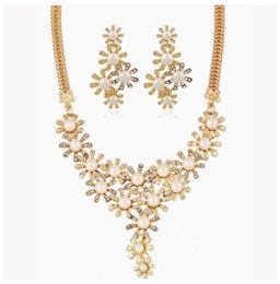 Wholesale Gold Earrings Bling - Shining Elegant Wedding Bridal Jewelry Prom Pearl Rhinestone Crystal Flower Birdal Jewelry New Bling necklace and earring set Christmas