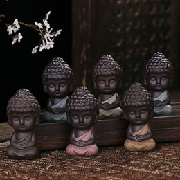 Wholesale cutting brass - Ceramic Creative Little Monk Decorate Arts And Crafts Gift Buddha Redware For Home Tea Table Decor Articles 6dh C R