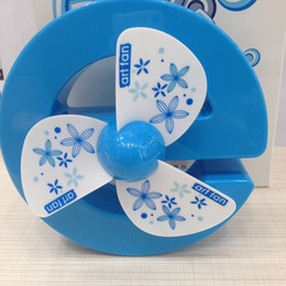 Wholesale Desk Cool - E Art Rechareable Fan Modern Design Cool And Refreshing Summer Desk 3 Leaves Candy Color Green Pink Orange Blue AAA Battery ABS YS1302