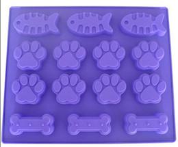 Canada Pieds d'os de chien poisson moule à gâteau moule de savon en silicone flexible pour savon à la main bougie bonbons de cuisson moules de cuisson outils de cuisine moules à glace Offre
