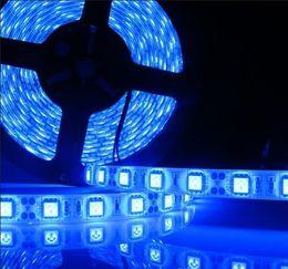 luces de neón blancas rollo Rebajas 12V Impermeable 5050 SMD LED Tira de Luz Flexible Rojo Verde Azul Caliente Blanco Fresco Blanco 60Led / m Envío Gratis