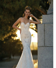 Wholesale Winter Wear China - 2017 NON Traditional Wedding Dresses Online Backless Spaghetti Bridal Wear Amazing Sexy Wedding Dresses Gorgeous Elegant Bridal Gowns China