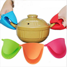 Wholesale Silicone Oven Gloves Fingers - Silicone Oven Glove Clip Cake Bakeware Heat Resistant Finger Hand Clip Oven Microwave Mitt Convenient Pot Holder OOA2474
