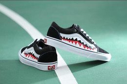 Wholesale Shoes Ultralight - VAN 17SS SHARK MOUTHS XH51 Summer Canvas Shoes Breathable Casual Shoes Loafers Comfortable Ultralight Lazy Slip on Shoes Flats VAN