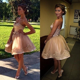Wholesale Exquisite Short Homecoming Dresses - 2017 Short Mini Exquisite Cocktail Dresses Champagne Sweetheart Lace Appliques Beads Pearls Bow Sweet 16 Homecoming Dress Prom Gowns Custom