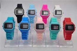 Wholesale Silicone Watches Lady - HOT SELL New Fashion Luxury Women Boy Girl Dress Silicone Wristwatch Lady Bear Watch