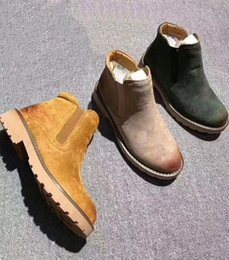 Wholesale Boots Shoes Australia - 2018 AAA+ Quality WGG Women Australia Classic Yellow Brown Navy Women girl Snow Winter shoes leather shoes outdoor casual sneaker eur 36-39