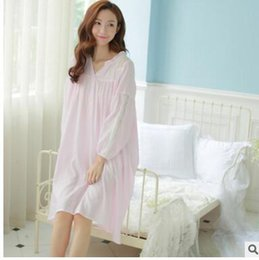 Wholesale White Cotton Nightgowns Wholesale - 2016 Autumn new lightweight breathable palace pajamas v-neck cotton hollow out household nightgown embroidered long-sleeved princess