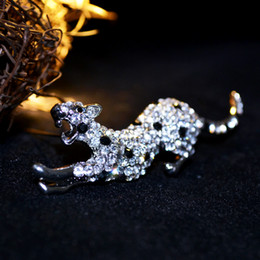 Wholesale Leopard Crystal Brooch - Crystal leopard individuation silver brooches high quality hot sell new design elegant fashion concise classic pin broochesGLN681