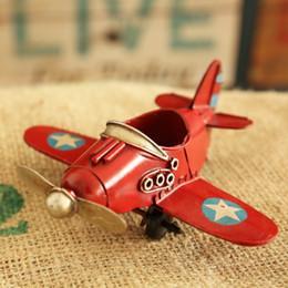 Europa Ace of Aces Rosso / Blu / Bianco / Giallo Iron Fighter Modello Retro piccolo aereo Decorazione scrivania per ragazzo regalo DEC098 da accessori ad alta tensione fornitori