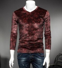 Wholesale Long Body T Shirts Men - 2017 autumn main push model long sleeve V neck velvet dark flowers T-shirt men's body is red
