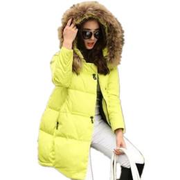 Atacado- novos casacos casacos com capuz casaco de inverno mulheres gola de pele casaco de inverno mulheres Zipper Parkas inverno feminino Outwear Plus Size S-5XL de Fornecedores de senhoras parka amarela