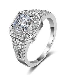2019 anelli di design platino per le donne Stunnning Wedding Ring design classico Platino placcato o placcato oro rosa 6mm Simulato Diamond Promise Anelli per le donne sconti anelli di design platino per le donne