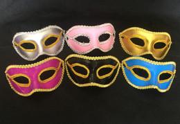 couleurs de peinture en aérosol Promotion Couleurs mélangées jet peint oeil dentelle dentelle bord plat masque tête de fête vacances masque 50pcs / lot Drop shipping