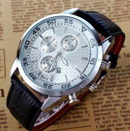 Orologio da polso analogico R 8257-2 in pelle con cassa in acciaio sportivo analogico da uomo di marca da orologio di marca r fornitori
