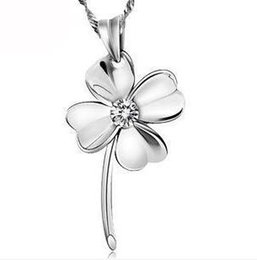 Wholesale Lucky Leave - Fashion Diamond Lucky Four Leaves White Purple Color Necklace Silver Necklace Chain Lucky Flower Charm Pendant NO CHAIN DHL