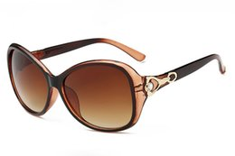 Wholesale Pink Rhinestone Sunglasses - Sunglasses For Women Woman Rhinestone Sunglases Fashion Luxury Sunglass 2017 Womens Sun glasses Ladies Designer Sunglasses 3L6A14
