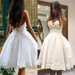 Wholesale Cheap Floral Prom Dresses - New Backless Knee Length Prom Dresses Sweetheart 3D-Floral Appliques Puffy Sexy Evening Party Girls Pageant Gowns Custom Made Cheap