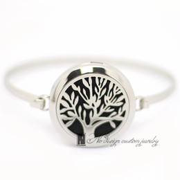 Wholesale Love Heart Chains - 2016 New tree of life Aromatherapy Bracelet 316L s.steel Essential Oils Diffuser Locket Bangle 7''-8''wrist Free Shipping ((free 5pcs Felt)