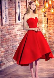 2019 barato modesto vestidos vermelhos Nova Curto Vermelho Vestidos de Baile 2019 A Linha Querida Alta Low Backless Cetim Modesto Festa À Noite Ocasião Especial Vestidos Barato Personalizado barato modesto vestidos vermelhos barato
